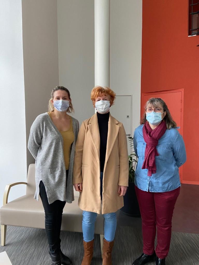 Mme Goron, cadre de santé (à droite), accompagnée par deux infirmières de St Méen volontaires pour participer à l'expérimentation.